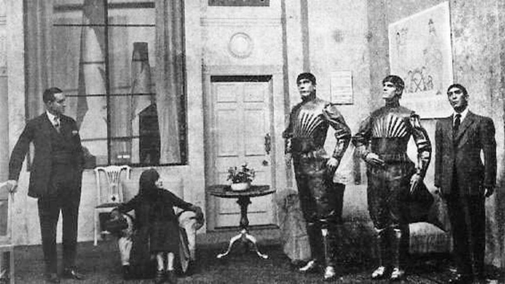 1923: Robô