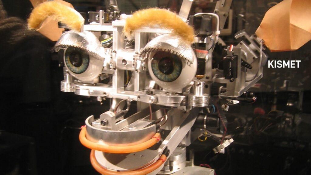 2000. KISMET Programa e robô identifica emoções por análise facial.