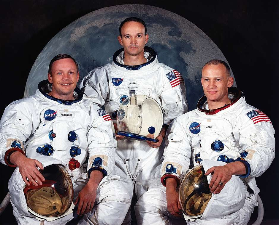 Tripulação Apollo 11: Armstrong (esq.), Collins (centro) e Aldrin (dir).